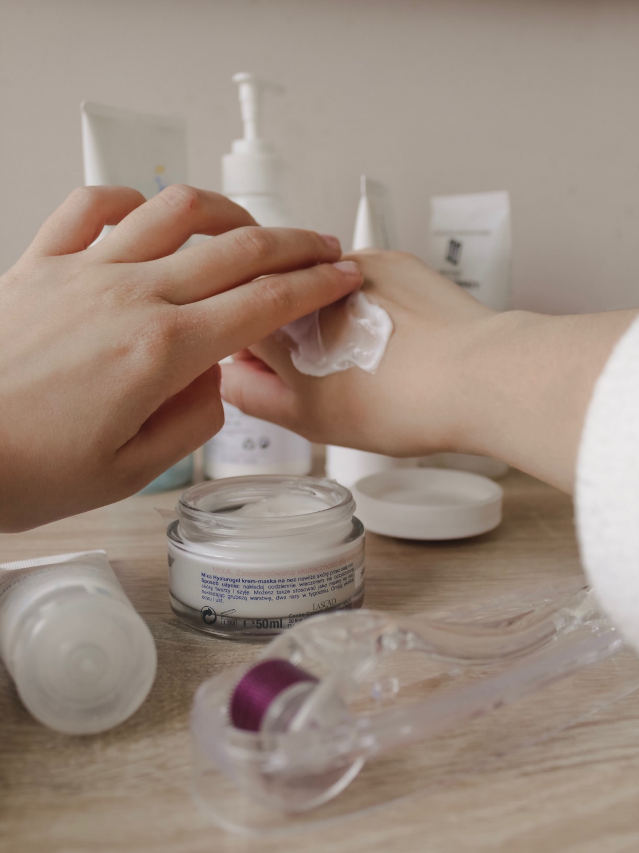 Kojic Acid Powder: Easy Natural Ingredients Recipe That Lightens Skin and Anti-Aging Effect