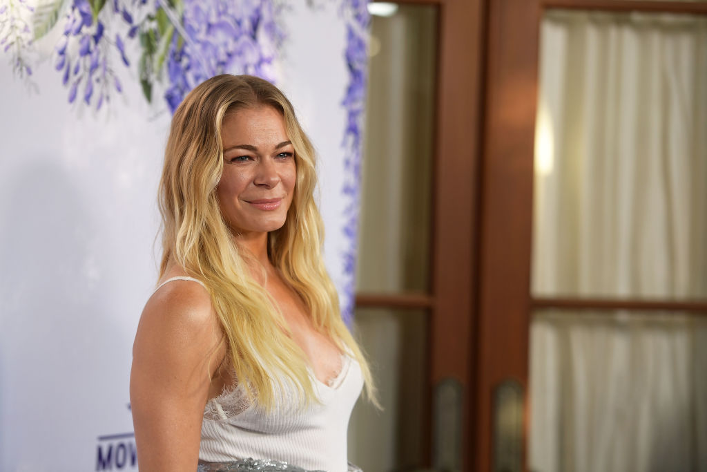 LeAnn Rimes Bares Battle with Psoriasis