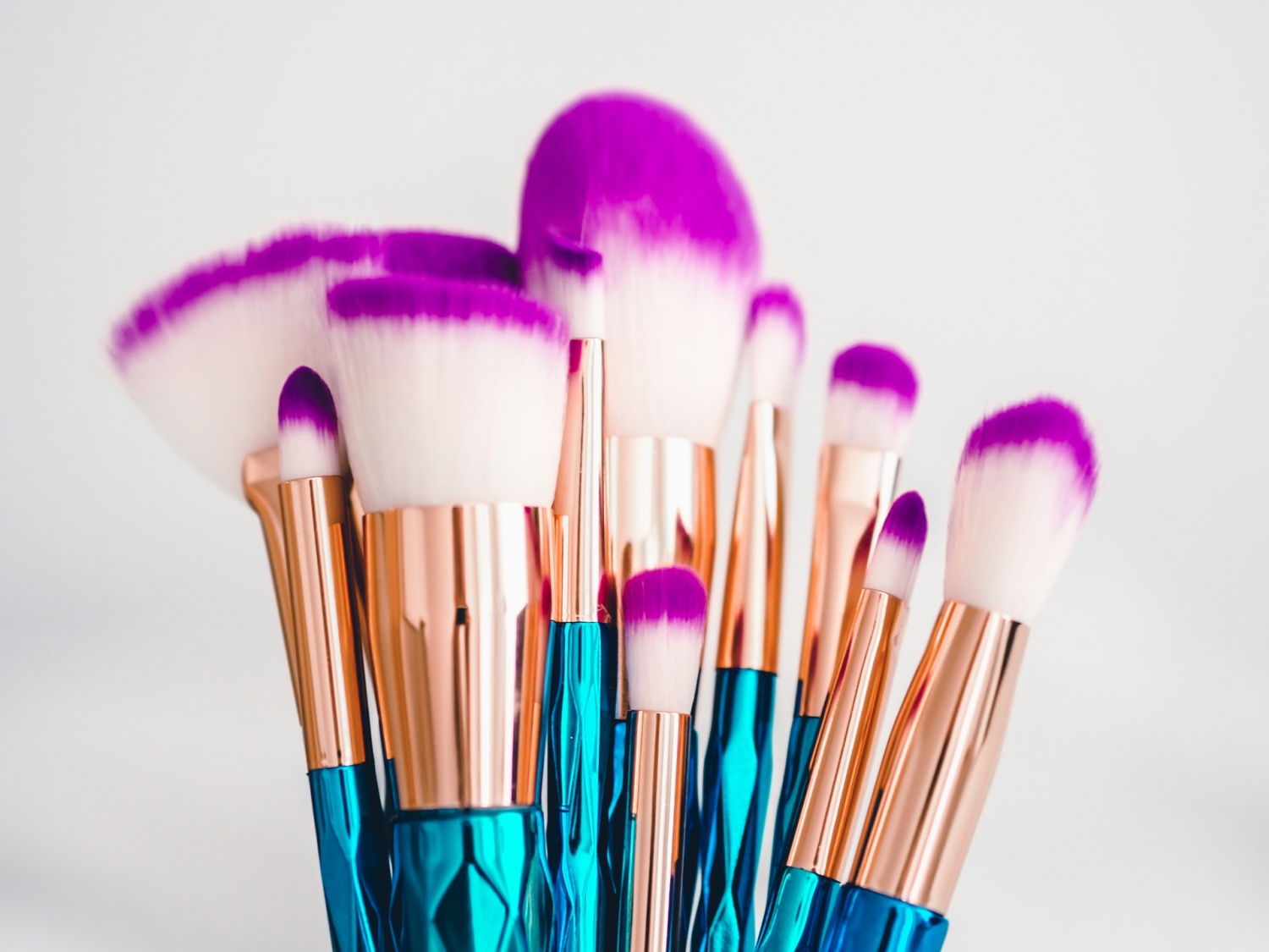 How to Clean Makeup Brushes: The Lazy Girl's Guide