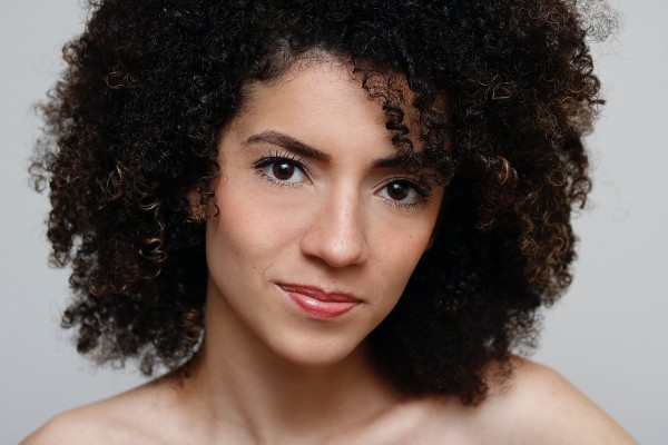 Top Hairstylist Tips To Manage Curly Hair