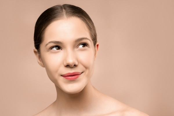 Why Polyhydroxy Acid Is the Best Chemical Exfoliant for Sensitive Skin