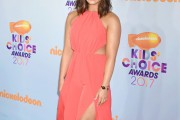 Demi Lovato Gets a New Lob Haircut for Kid's Choice Awards