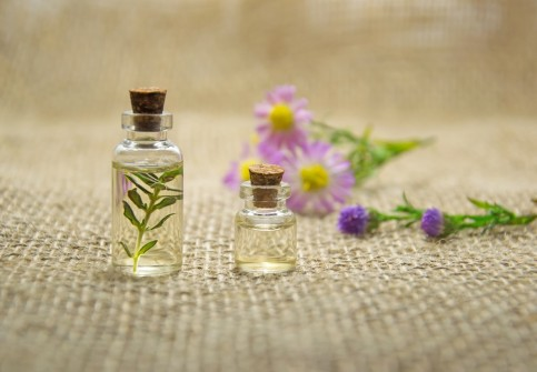 6 Essential Oils to Benefit Your Health