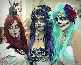 Halloween costume ladies