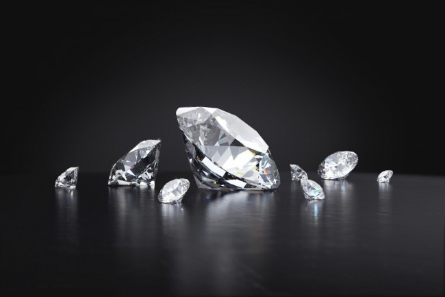 Buying Diamonds: 5 Tips to Choose the Right One for You
