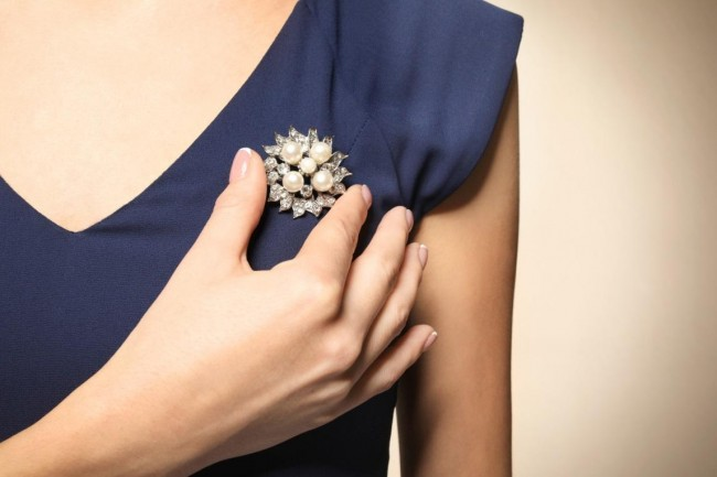 Pins and Things: 7 Awesome Ways to Wear Pins, Buttons, Brooches, and Badges