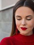 No to Doom and Gloom: The Top Makeup Trends For Winter 2020