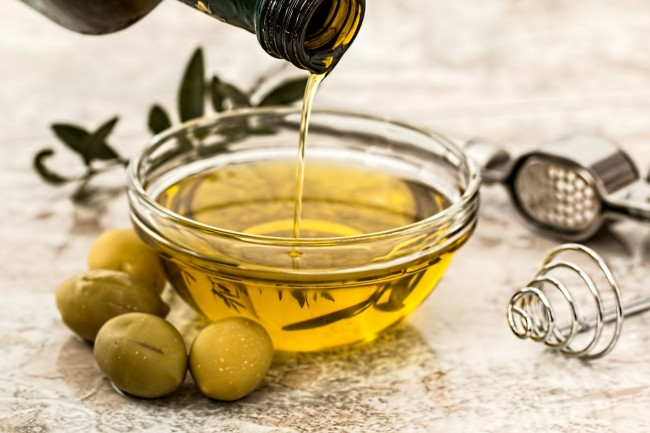 Is Olive Oil Really Safe To Use On The Face?