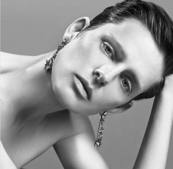 Iconic British Model and Fashion Muse Stella Tennant Dies Suddenly at 50