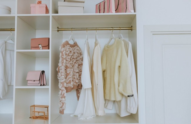 How To Declutter and Organize Your Closet