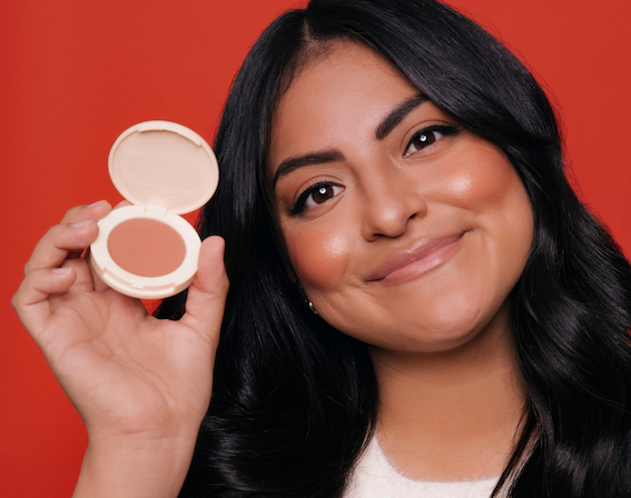 "Makeup Artist Jamie Greenberg Introduces Multipurpose Makeup called ""Blighlighter"""